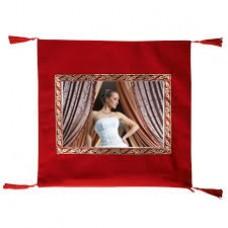 Kırmızı Kadife Kare Yastık