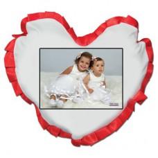 Beyaz kalp kırmızı fırfırlı Yastık